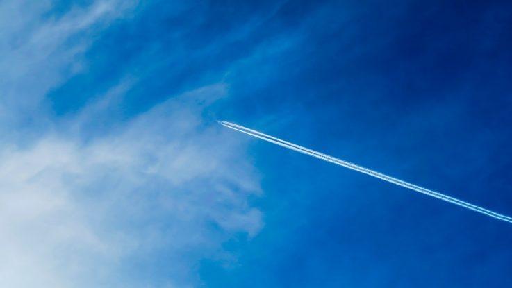 Flugzeug im Himmel