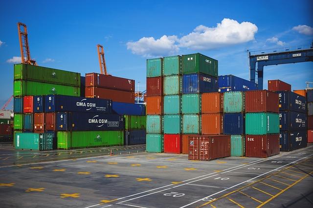 Standard Container im Hafen
