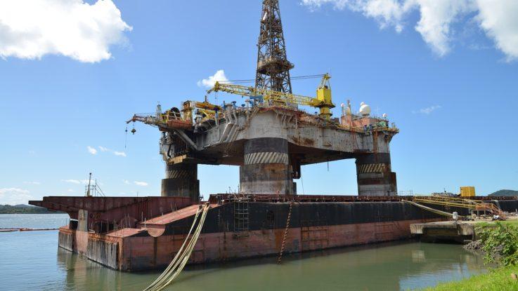 Öl-Förderung auf Plattform