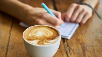 Kaffee zum Morgen mit Finanzinfos