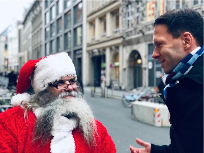 Bernecker1977 spricht mit dem Weihnachtsmann