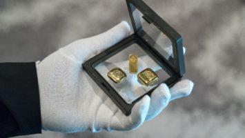 Staaten und Menschen fragen Gold nach