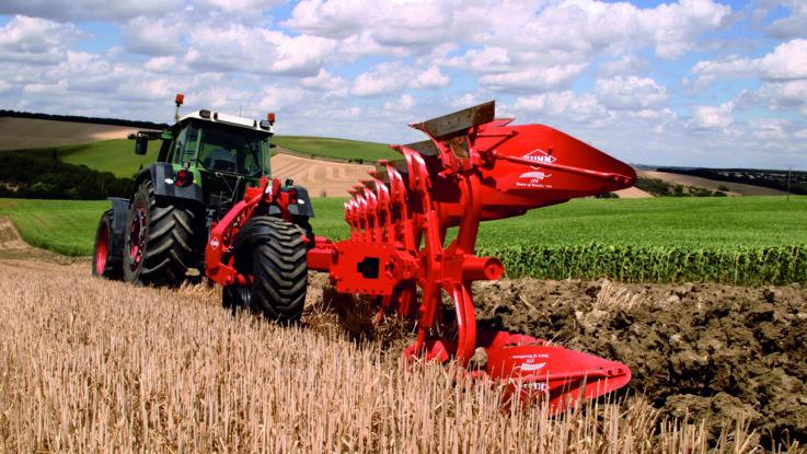 Der Anbauvolldrehpflug Multi-Master 180T in Aktion - Quelle: Bucher Industries AG